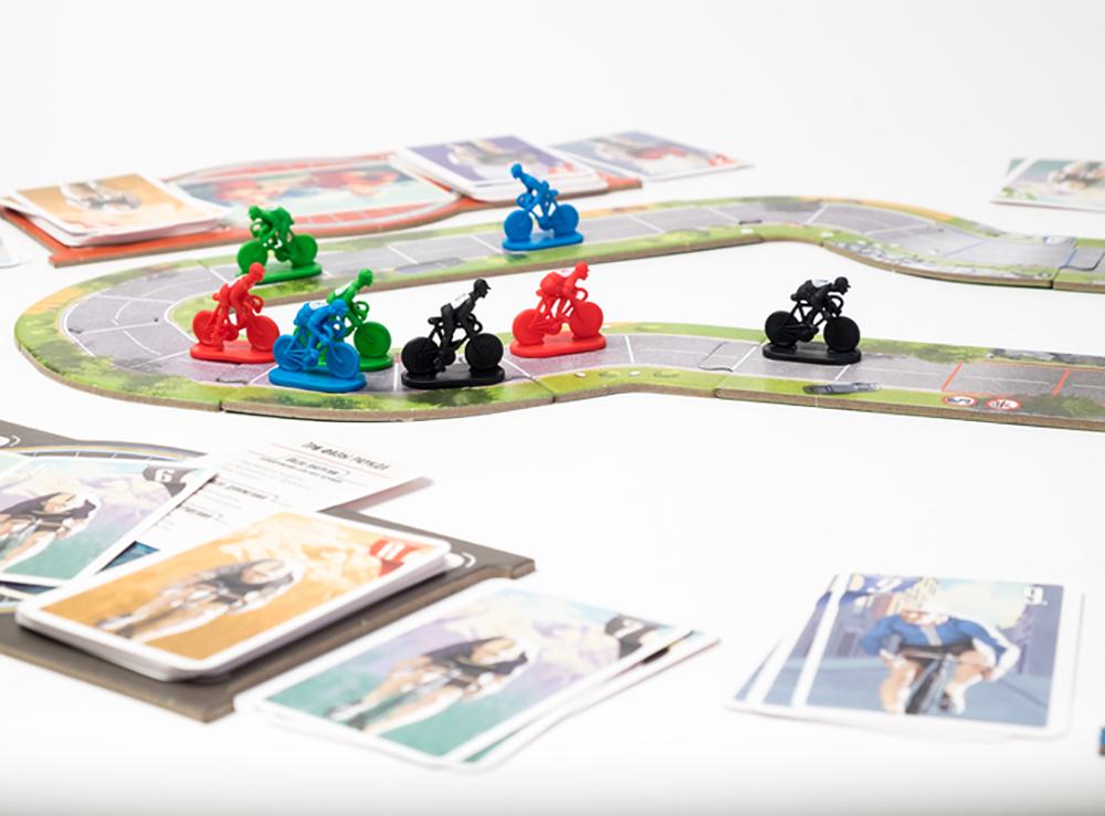 Игровой процесс настольной игры Крути педали
