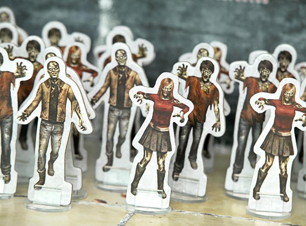 Компоненты настольной игры Мёртвый сезон. Перекрёстки