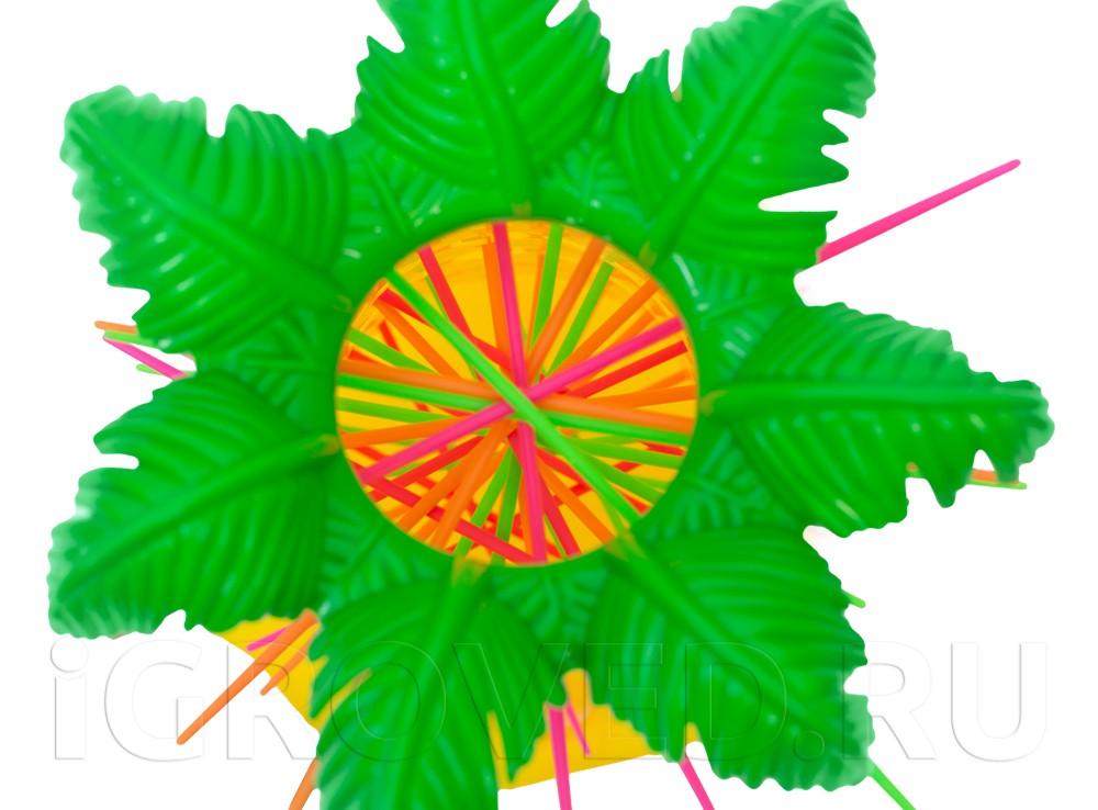 Пальма с разноцветными палочками